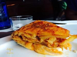 Tortilla de Patata con cebolla confitada